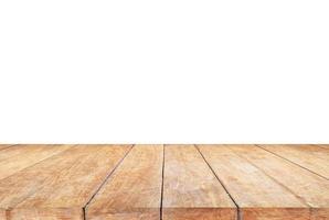 mesa de madera sobre un fondo blanco foto