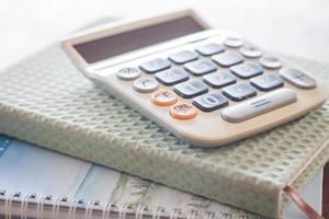 calculadora en dos cuadernos foto
