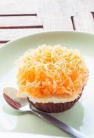 Golden egg yolk cupcake
