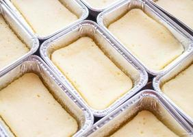 Cheesecakes in pans