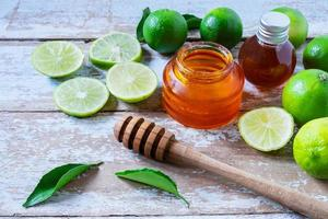 Honey with limes