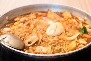 tokpokki - comida tradicional coreana, estilo olla caliente