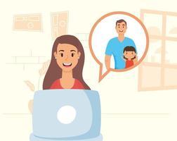 mujer usando laptop para una videollamada en casa