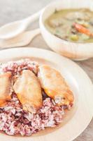 Multi-grained berry rice with green curry