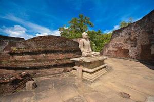 Antiguas ruinas de watadagaya en polonnaruwa sri lanka