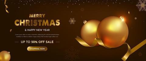 Banner de venta de navidad con adornos navideños realistas.