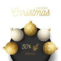 Banner cuadrado de venta de navidad de lujo con adornos de bolas