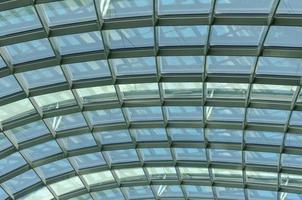 techo de cristal durante el día
