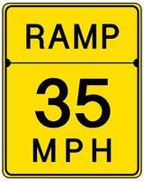 Rampa de 35 mph signo aislado sobre fondo blanco.
