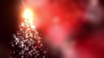 Las luces de las estrellas de los copos de nieve convergen en el árbol de Navidad con un fondo rojo bokeh