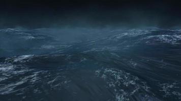 ondas do mar rolam em uma noite escura e tempestuosa video