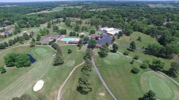 Parcours de golf vue à vol d'oiseau survoler video