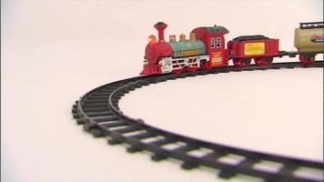tren de juguete en la pista