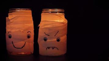 lâmpadas de múmia feliz e zangada para o halloween