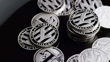 roterende opname van bitcoins (digitale cryptocurrency) - bitcoin litecoin 371