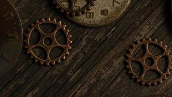 Imágenes de archivo giratorias tomadas de caras de relojes antiguas y desgastadas: caras de relojes 083