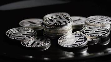 roterende opname van bitcoins (digitale cryptocurrency) - bitcoin litecoin 377