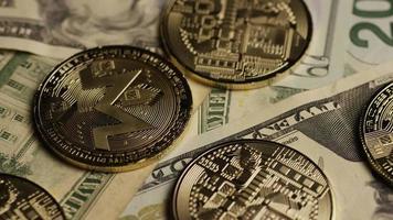 roterende opname van bitcoins (digitale cryptocurrency) - bitcoin monero 204