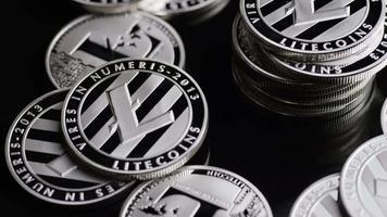 roterende opname van bitcoins (digitale cryptocurrency) - bitcoin litecoin 373