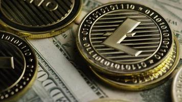 roterende opname van bitcoins (digitale cryptocurrency) - bitcoin litecoin 580