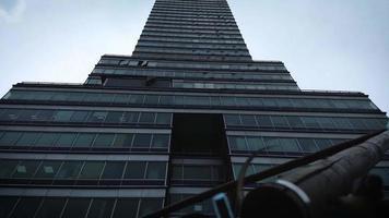 clipe inclinado da torre latino-americana