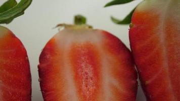 fresa fresca en rodajas