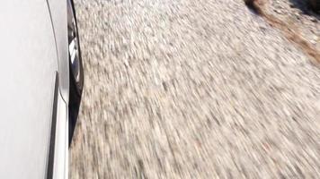 pneus de carro na estrada video