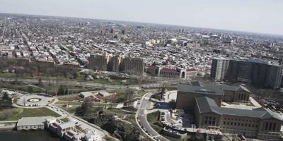 4K Aerial drone shot of Philadelphia Museum of Art
