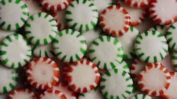 Tiro giratorio de caramelos duros de menta verde - candy spearmint 076 video