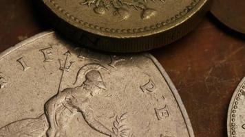 rotação de imagens de estoque de moedas monetárias internacionais - dinheiro 0374
