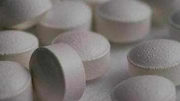 Imágenes de archivo giratorias tomadas de vitaminas y píldoras - vitaminas 0154 video
