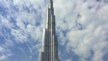 foto panorâmica do burj khalifa em dubai 4k