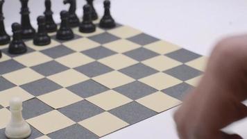 colocando piezas de ajedrez