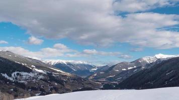 wolken boven Italiaanse Alpen