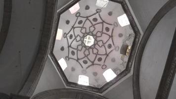 cúpula de la iglesia con ventanas