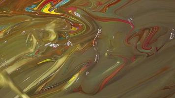 mezcla de pinturas rojas, azules y amarillas