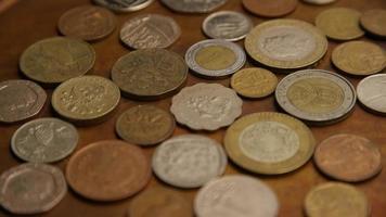 rotação de imagens de estoque de moedas monetárias internacionais - dinheiro 0387