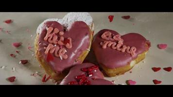 ciambelle di san valentino a forma di cuore - ciambelle 012