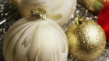 Plano cinematográfico giratorio de adornos navideños - navidad 030