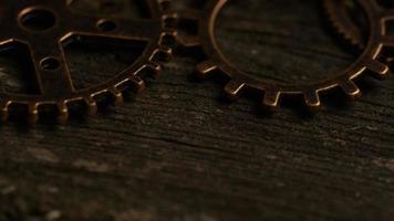 rotação de imagens de estoque de mostradores de relógio antigos e resistidos - mostradores de relógio 039 video