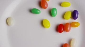 Tir rotatif de fèves à la gelée de Pâques colorées - Pâques 095
