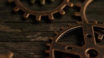 rotação de imagens de estoque de mostradores de relógio antigos e desgastados - mostradores de relógio 051 video