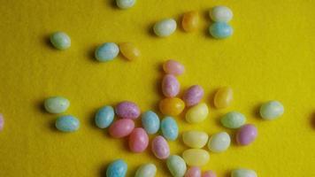 Foto giratoria de coloridos caramelos de Pascua - Pascua 076