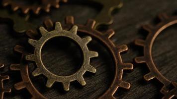 rotação de imagens de estoque de mostradores de relógio antigos e desgastados - mostradores de relógio 040 video