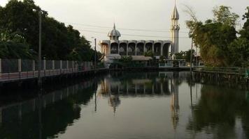 uma mesquita kup ro em bangkok, tailândia