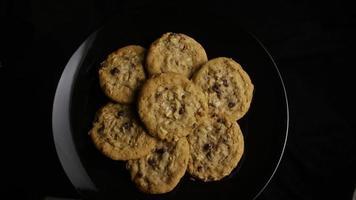 filme cinematográfico giratório de biscoitos em um prato - biscoitos 154