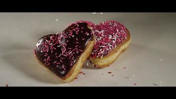 ciambelle di san valentino a forma di cuore - ciambelle 013
