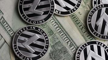 Tiro giratorio de bitcoins (criptomoneda digital) - bitcoin litecoin 594 video