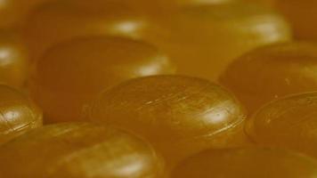colpo rotante di caramelle al caramello - caramelle al caramello 048