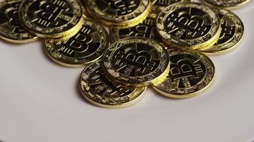 rotierende Aufnahme von Bitcoins (digitale Kryptowährung) - Bitcoin 0300